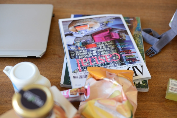 magazines AD Spanish edition and Wonderland